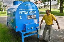 Cisterna s pitnou vodou v Hraničních Petrovicích