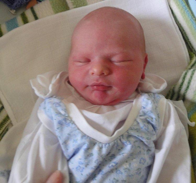 Šimon Losa, Bouzov, narozen 11. března v Olomouci, míra 51 cm, váha 3640 g.