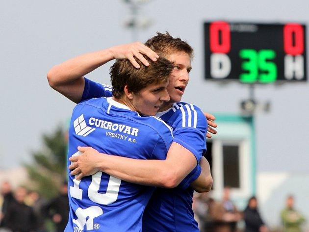 Fotbalisté Sigmy Olomouc B (v modrém) porazili v domácím zápase MSFL Břeclav 3:0.