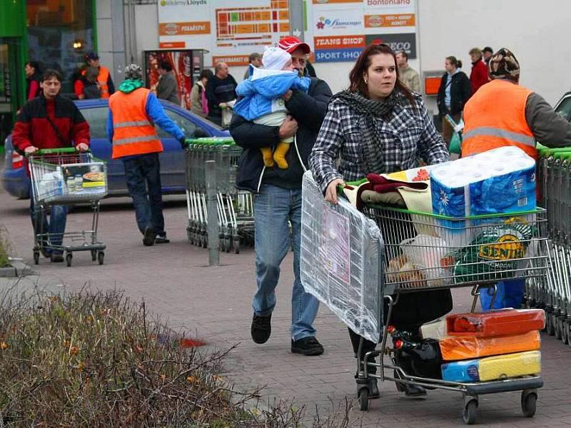 Obchody i letos očekávají před Vánoci nápor zákazníků.