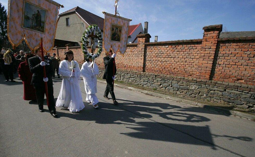 Velikonoční průvod Matiček v Bohuňovicích