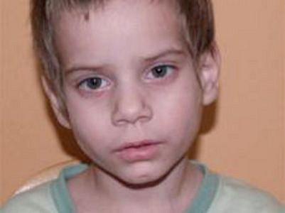 Chlapec, kterého jeho matka opustila v Ústí nad Labem