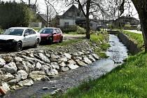 Břevencem, místní částí Šumvaldu, protéká potok Dražůvka