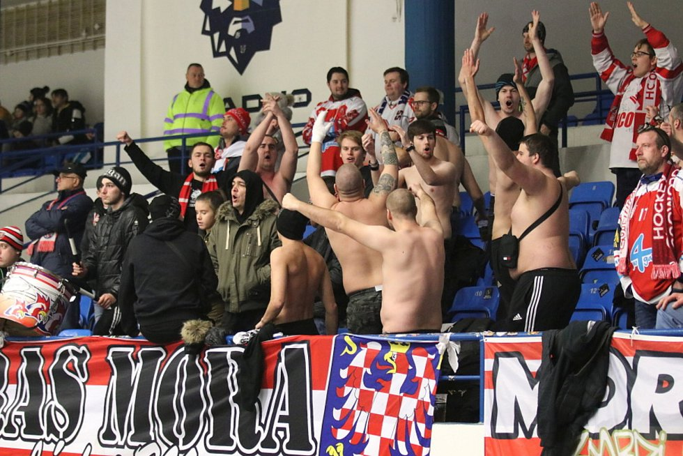 Fanoušci Mory. Kladno hostilo v hokejové extralize Olomouc