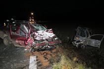 Na R46 se 24. prosince odpoledne srazil chevrolet a Škoda Octavia, oba řidiči se zranili. Policie hledá svědky, kteří havárii viděli