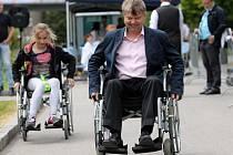 První ročník Olomoucké vozíčkářské štafety v předvečer půlmaratonu