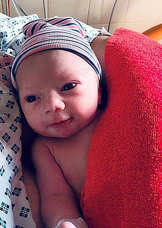 David Vala, Olomouc-Chomoutov narozen 22. února 2020 míra 49 cm, váha 2930 g