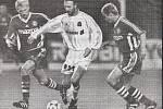 Olomoučtí fotbalisté remizovali v roce 1998 v Poháru UEFA doma s Olympiquem Marseille 2:2. Marek Heinz, Christophe Dugarry