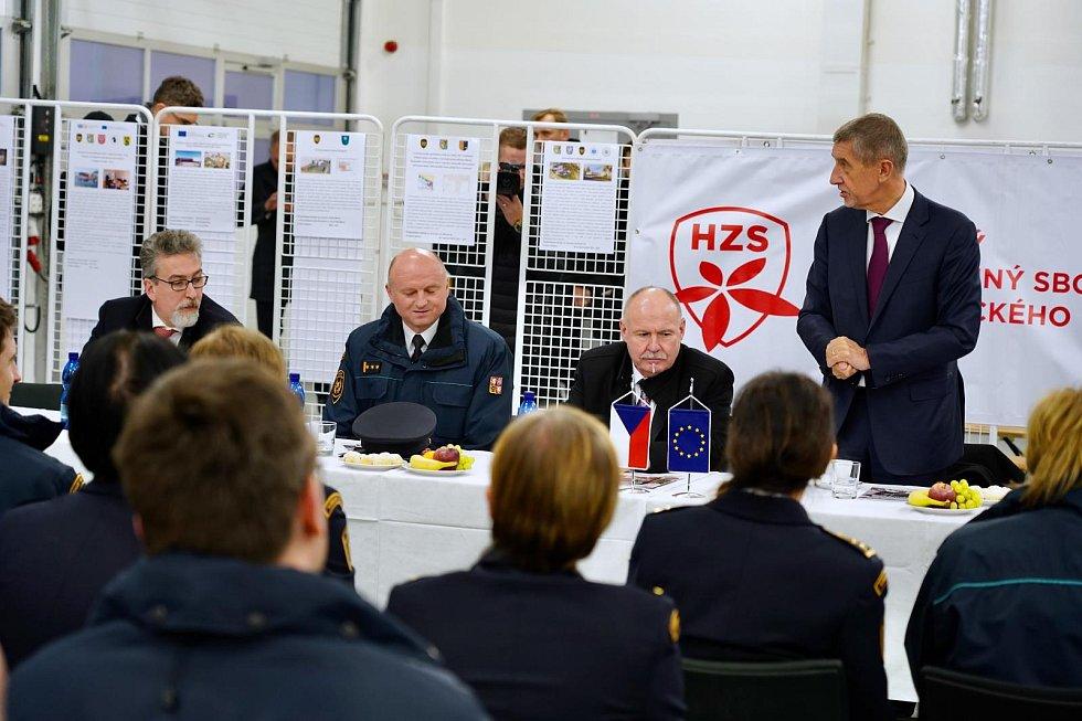 Slavnostní předání nové techniky Hasičskému záchrannému sboru Olomouckého kraje, 8. 1. 2019