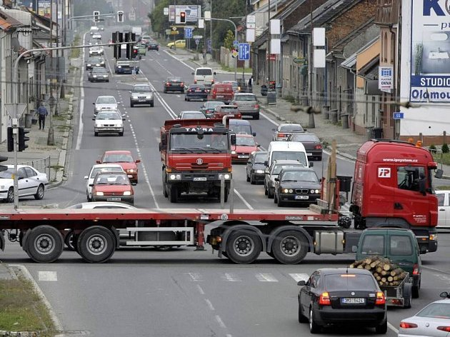 Křižovatka Hodolanské, Továrn, Lipenské a Rolsberské ulice
