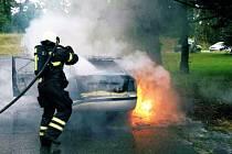Požár auta ve Velkém Újezdu, 15. 7. 2019