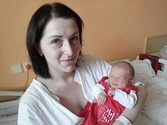 Jonáš Peřina, Olomouc, narozen 1. února v Olomouci, míra 50 cm, váha 3430 g.