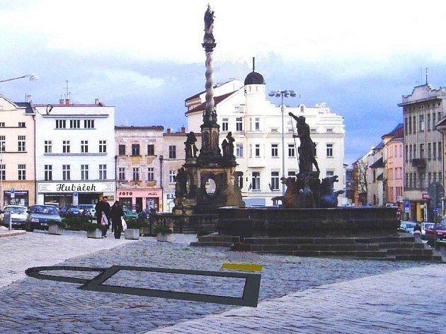 Vyznačené dláždění a pamětní deska budou připomínat významný archeologický nález na Dolním náměstí v Olomouci.