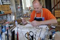 Peter Groot, osmačtyřicetiletý Holanďan, žije s rodinou ve Velkém Újezdě.