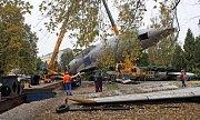 Nakládání trupu letadla Tu-104 v Olomouci