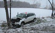 Nehoda tří osobních aut v ulici Šlechtitelů v Olomouci
