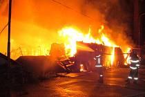 Požár skladu textilu v ulici Matěje z Janova v Olomouci