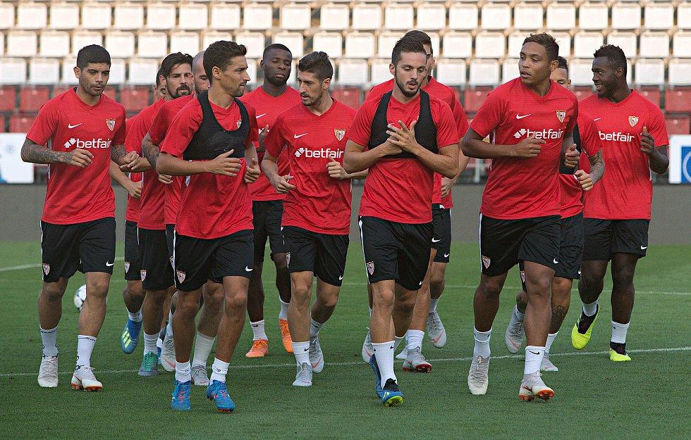 Trénink fotbalistů FC Sevilla před zítřejším utkání s SK Sigma Olomouc.