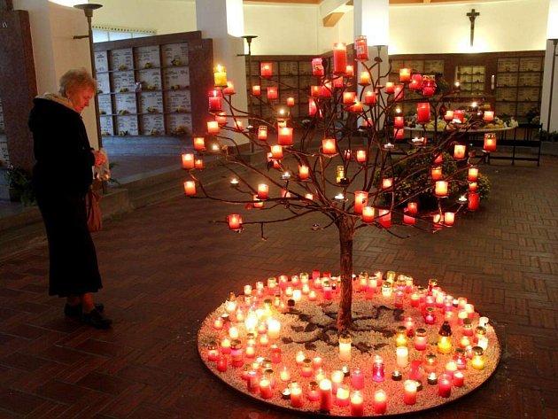Dušičky v kolumbáriu Husova sboru v Olomouci