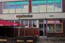 Bar Neptun v Lutíně, v němž došlo v neděli 20. listopadu k potyčce. Jeden z hostů tasil nůž