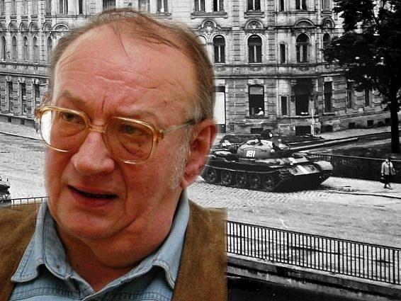 Bohuslav Matyáš a snímek sovětských tanků na mostě přes Moravu u Bristolu