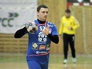 Litovelští házenkáři (v modrém) porazili Jičín 31:24. Vladimir Maslak