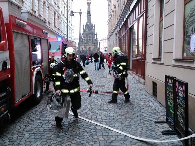 Zásah hasičů v restauraci v ulici 28. října v Olomouci