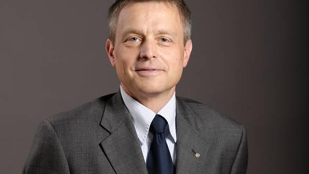 Josef Podstata, ředitel dvou regionálních studií Českého rozhlasu, a to v Olomouci a v Ostravě