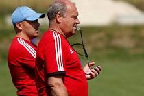 Asistent Pavol Mlynár, trenér Leoš Kalvoda. Sigma zahájila přípravu na Fotbalovou národní ligu