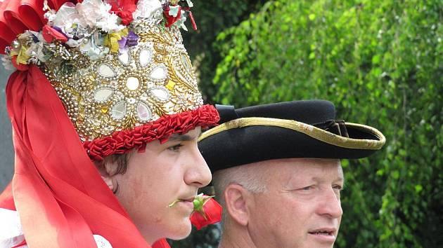 Tradiční jízda králů v Doloplazích.