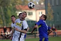 Fotbalisté Nových Sadů (v bílém) proti Želatovicím