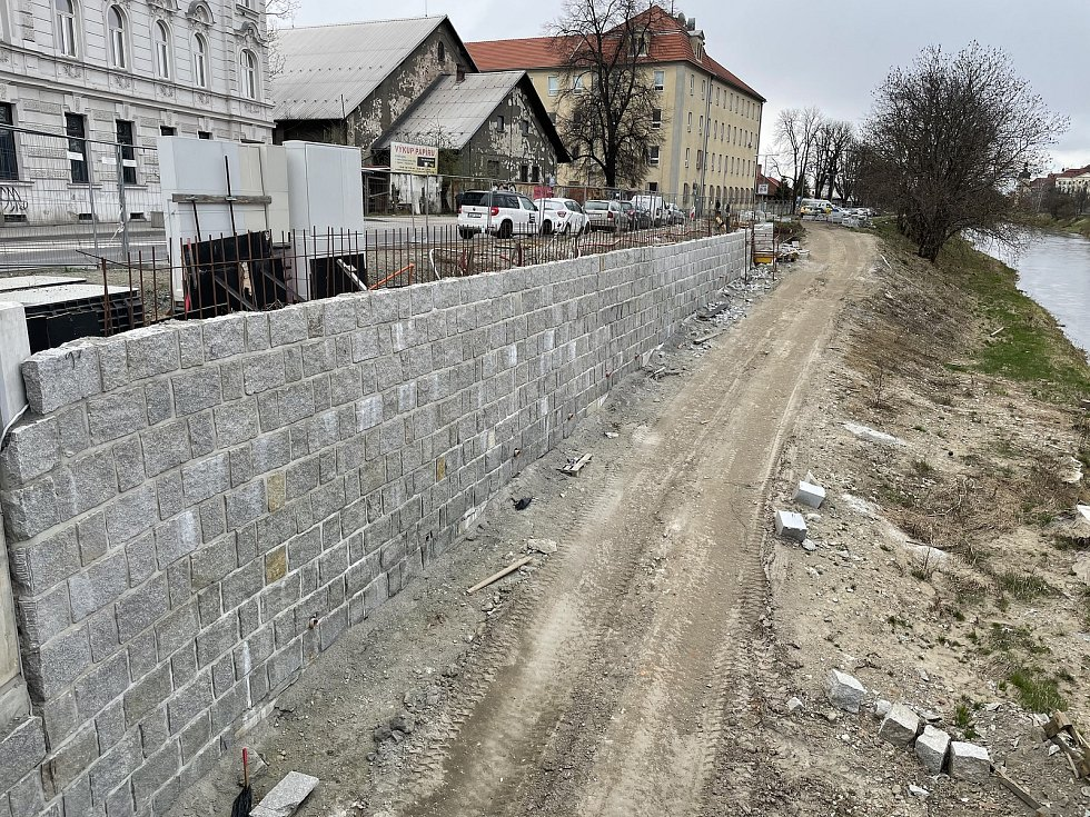 Nábřeží řeky Moravy v Olomouci, 3. dubna 2021