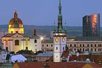 Chrám sv. Michala, radniční věž a BEA centrum. Výhled na Olomouc z administrativní budovy Silo Tower