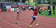 Mazurek vítězí v běhu na 400 m překážek