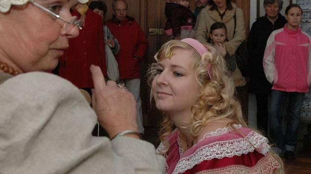 S letošní sezonou se na hradě ve Šternberku rozloučili scénami z pohádek.