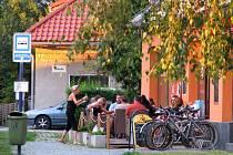Bar na Selském náměstí ve Chválkovicích má nyní nového majitele