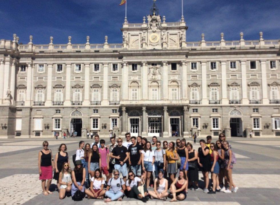 Královský palác v Madridu svíce než 3000 pokoji je největší palácovou budovou vEvropě