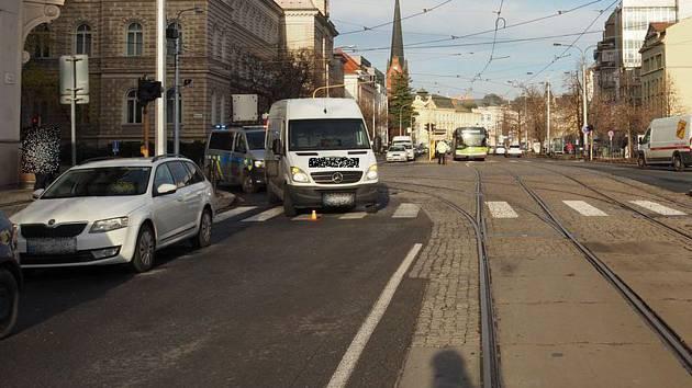Místo dopravní nehody na třídě Svobody v Olomouci, 19. 11. 2019