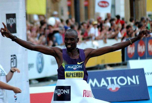 Olomoucký půlmaraton 2012: vítěz Keňan Nicholas Kipkemboi