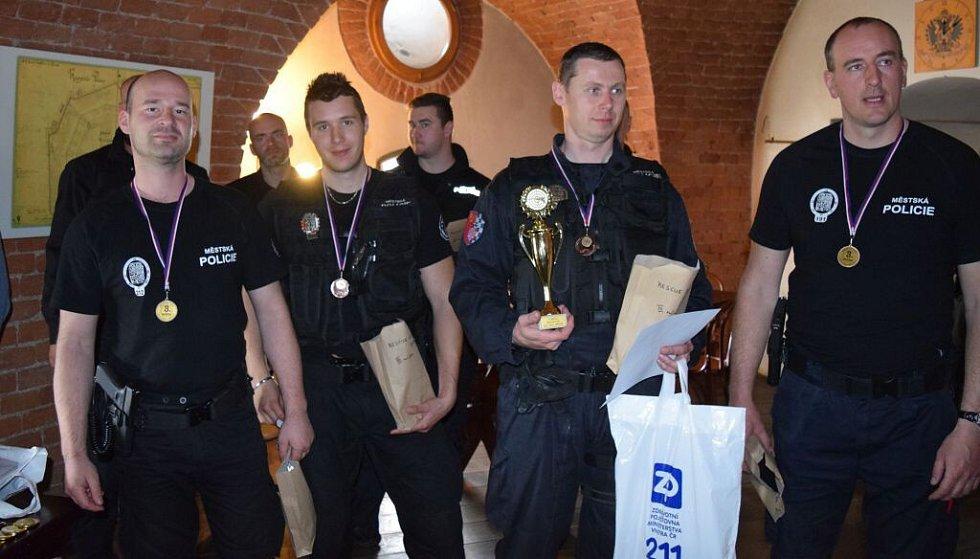 Trojboj záchranných a zákrokových týmů městských policií v areálu Fortu Křelov.