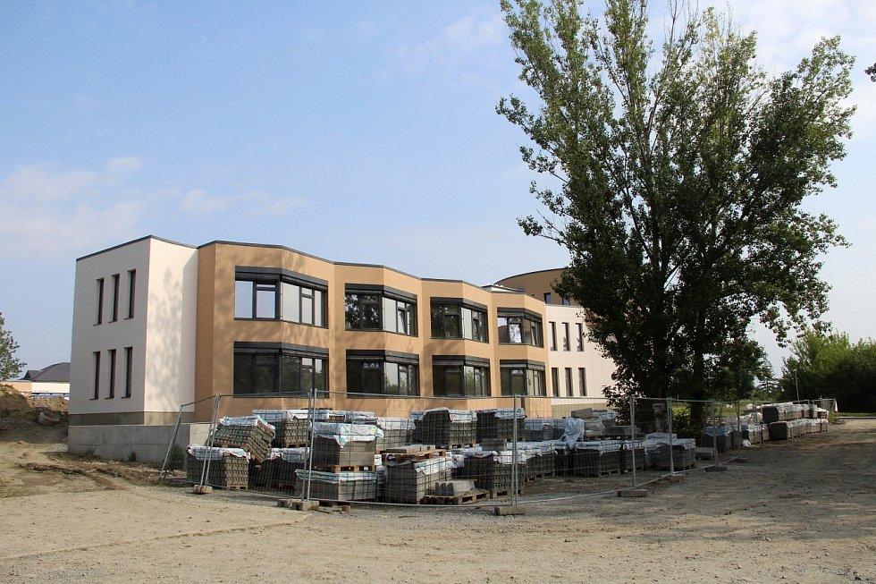 Budova Waldorfské školy v olomoucké čtvrti Hejčín