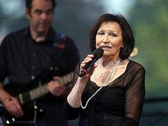 Jedním z posledních koncertů na Moravě, zahájila Marta Kubišová šternberské kulturní léto.