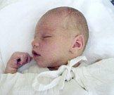 Ondřej Valuš, Olomouc, narozen 17. května v Olomouci, míra 51 cm, váha 4240 g