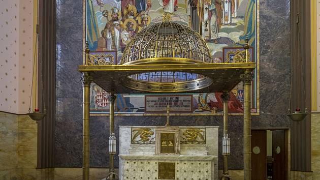 Jeden z umělecky nejvýraznějších olomouckých chrámů se může pyšnit renovovaným interiérem.