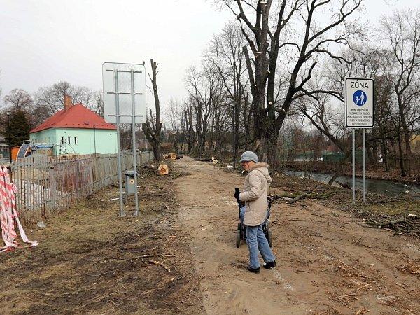 Kácení starých stromů vMichalském výpadu