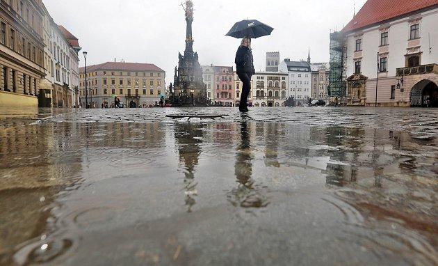 Devátého ledna 2018 celý den pršelo. Teploty trhají rekordy.
