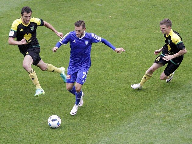 Fotbalisté Sigmy Olomouc (v modrém) porazili GKS Katowice 2:0. Lukáš Buchvaldek (v modrém).