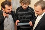 Volební štáb Koalice pro Olomoucký kraj: Pavel Horák, Ivo Slavotínek a Marián Jurečka