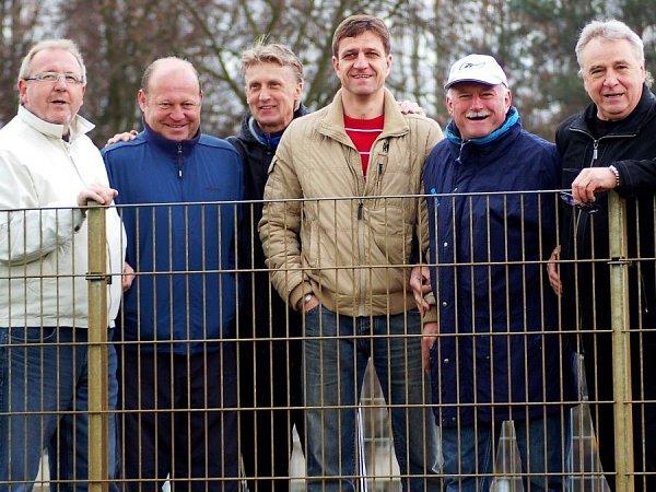 Rok 2010: zleva Vladislav Niki Lauda, Leoš Kalvoda, Oldřich Machala, Josef Mucha, Jan Chladil a Petr Uličný.