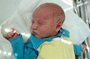 Adam Sklenář, Šternberk,  narozen 11. června ve Šternberku,  míra 49 cm, váha 3660 g